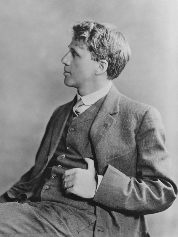 A young Robert Frost, ca 1913