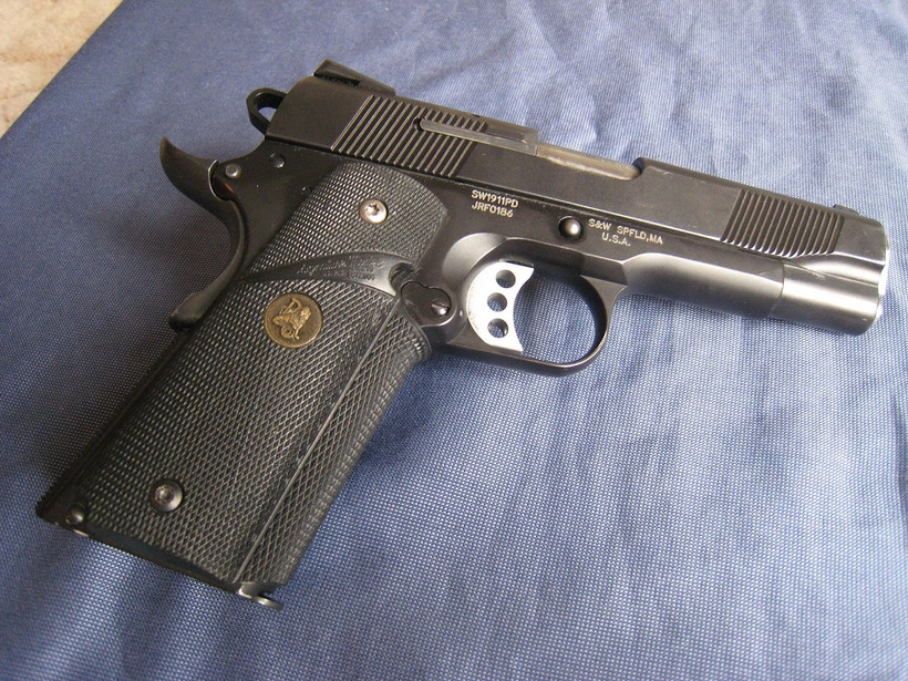 Smith and Wesson 1911 pistol / handgun