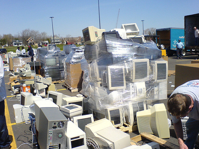 computer recycling, George Hotelling (BY-SA)