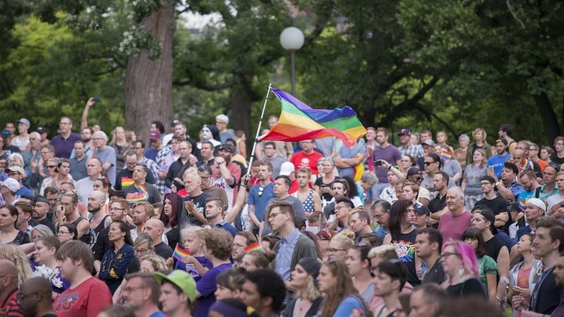 Crowd in Minnesota at an Orlando Shooting Vigil