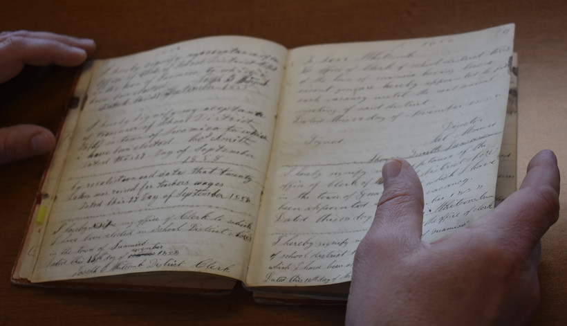 Minutes from a community meeting held in the Town of Pittsfield, Wis., on Nov. 15, 1856