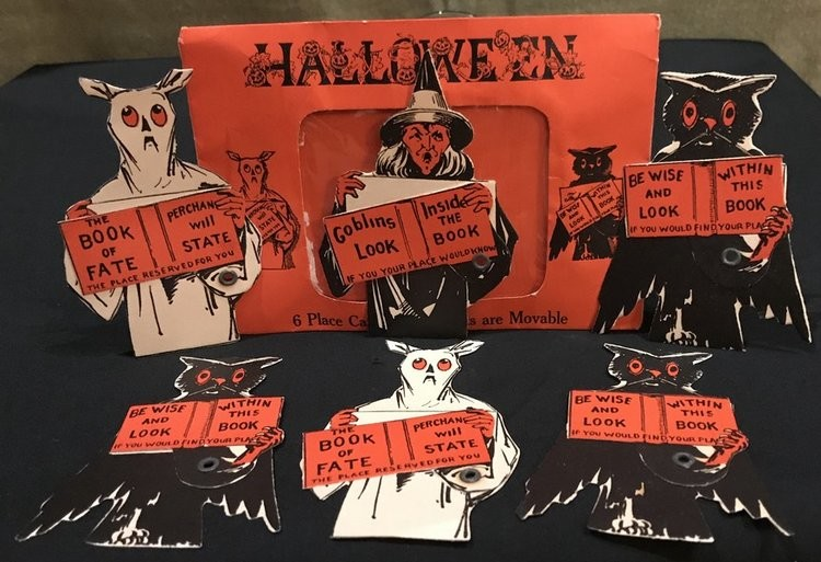 A set of Halloween placecards produced by Beistle in the late 1920s.