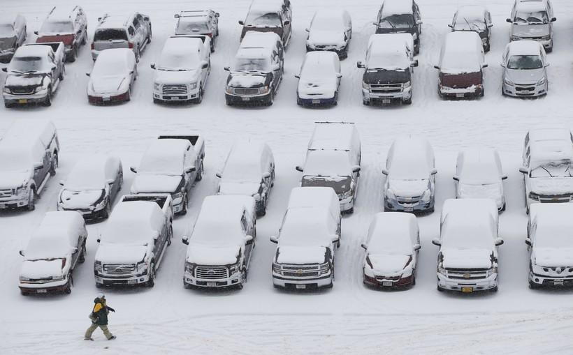 Snowy Lambeau Field parking lot