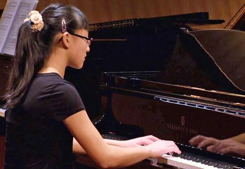 Photo of pianist Jessica Jiang