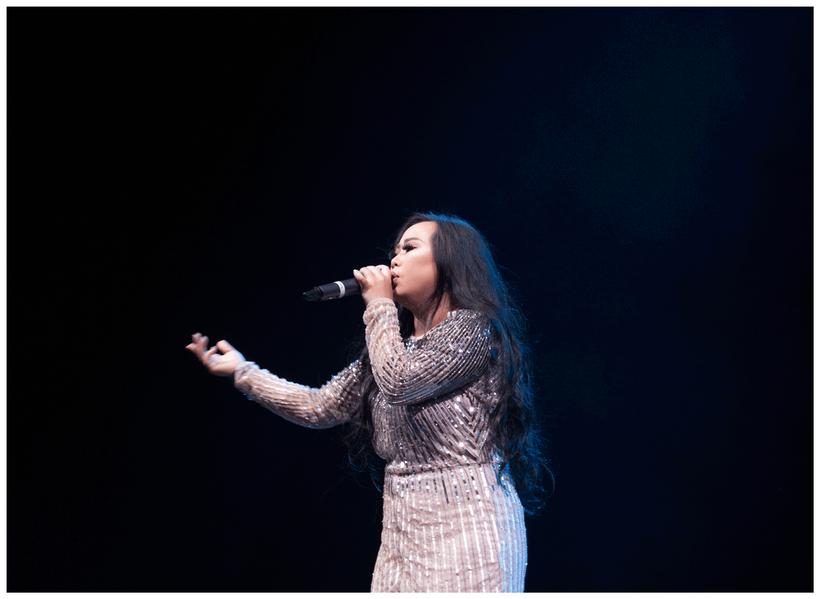 Maa Vue Hmong Singer Performance Music