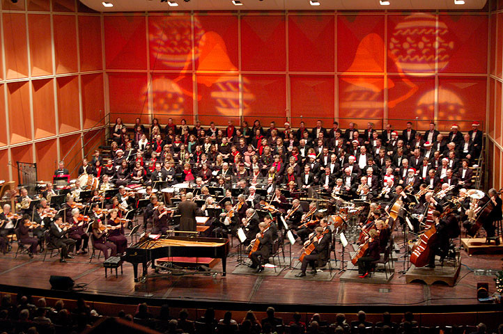 Milwaukee Symphony Orchestra and Chorus (Photo by Brian Jacobson)