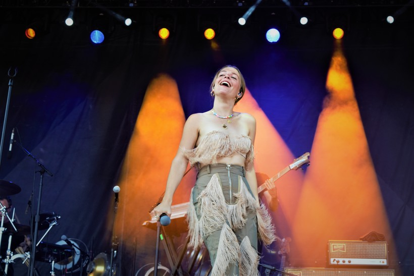 Maggie Rogers on stage at Hinterland
