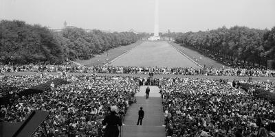 Marion Anderson sings at the Lincoln Memorial in 1952