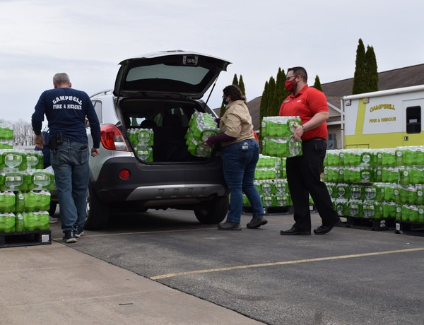 French Island Residents Pick Up Bottled Water