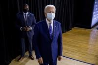 Joe Biden wearing a mask.