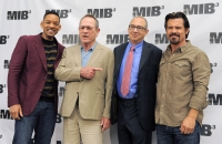 """Director Barry Sonnenfeld, second from right, poses with cast members, from left, Will Smith, Tommy Lee Jones and Josh Brolin at a photo call for thefilm, """"Men in Black 3,"""" Thursday, May 3, 2012, in Beverly Hills, Calif."""