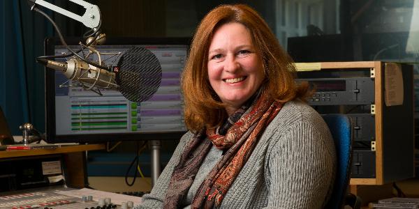 Milwaukee Symphony Orchestra broadcast host Lori Skelton